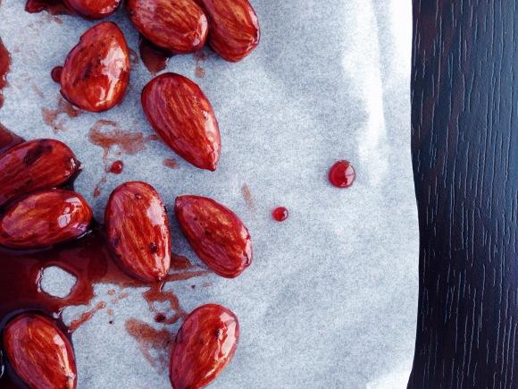 Almost december, time for candied almonds (fructosefriendly/gluten free) // Fast Dezember, Zeit für Gebrannte Mandeln (fructosearm/gluten frei) // by Fructopia